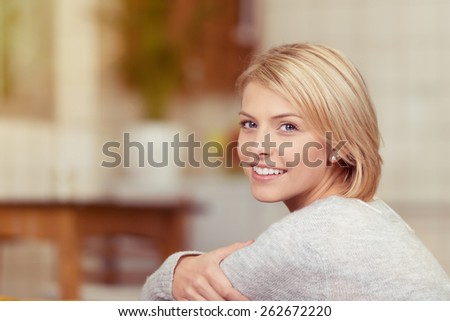 Portré optimista szőke nő 20-as évek mosolyog Stock fotó © deandrobot