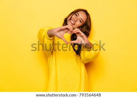 Sevgililer günü moda model kız yalıtılmış sarı Stok fotoğraf © serdechny