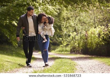 Ver feliz africano americano família olhando Foto stock © wavebreak_media
