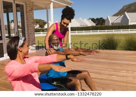 вид сбоку молодые африканских Америки женщины тренер Сток-фото © wavebreak_media
