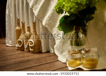 Foto stock: Decorações · madeira · flores · silvestres · servido · tabela