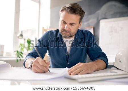 Komoly építész ceruza rajz új rajz Stock fotó © pressmaster