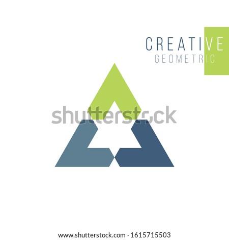 Géométrique triangle flèche trois conception de logo Photo stock © kyryloff
