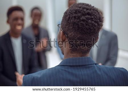мнение деловые люди другой столе Сток-фото © wavebreak_media