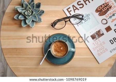 Beker heerlijk lage tafel top witte Stockfoto © dashapetrenko