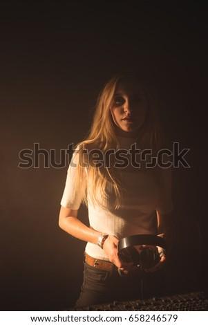 Kobiet słuchawki stałego dźwięku miksera Zdjęcia stock © wavebreak_media