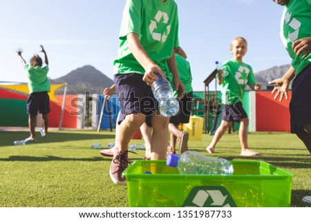 Widoku studentów plastikowe butelek Zdjęcia stock © wavebreak_media