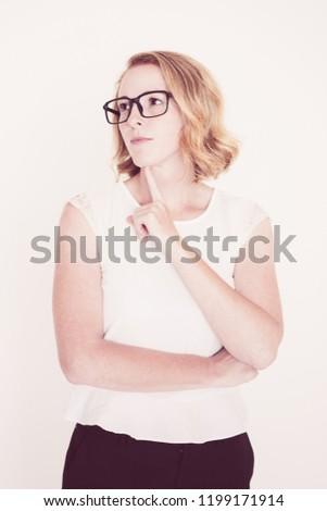közelkép · üzletasszony · néz · homlok · fehér · munka - stock fotó © wavebreak_media