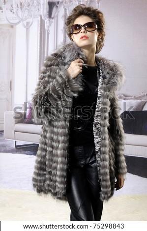 модный · женщину · шуба · студию · рождественская · елка - Сток-фото © monkey_business