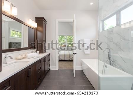 Banyo iç karanlık ahşap iki küçük Stok fotoğraf © iriana88w