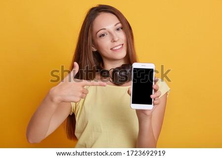 souriant · étudiant · casque · blanche - photo stock © wavebreak_media