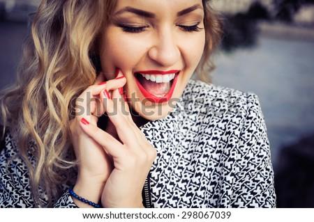 lábios · feliz · mulher · branco · moda - foto stock © wavebreak_media