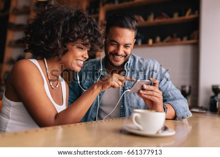 красивой женщину сидят кофейня Сток-фото © dashapetrenko