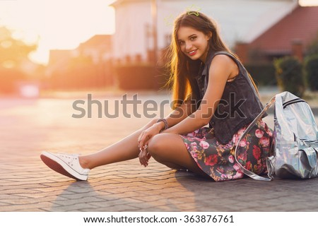 Lata życia portret dość dziewczyna posiedzenia Zdjęcia stock © galitskaya