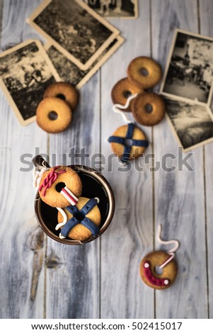 Kurabiye dekore edilmiş iki fincan üst Stok fotoğraf © faustalavagna