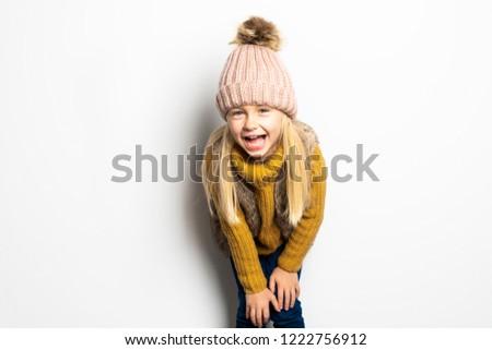 Cute nina 5 años posando estudio temporada de otoño Foto stock © Lopolo