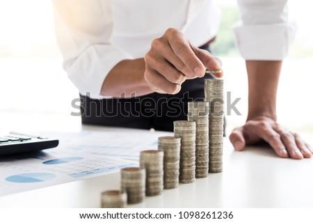 ビジネスマン コイン 成長 デスク ストックフォト © Freedomz