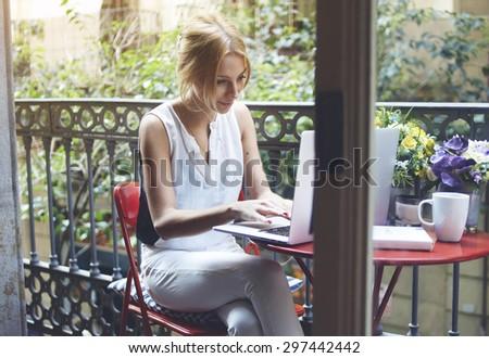 manana · té · retrato · mujer · hermosa · Florencia - foto stock © wavebreak_media