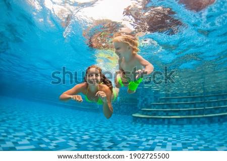 фото взрослый человека детей дайвинг плаванию Сток-фото © deandrobot
