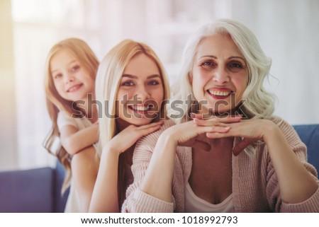 Abuela hija nieta blanco retrato feliz Foto stock © dashapetrenko
