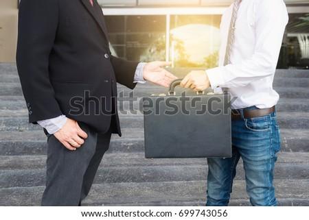 ビジネスマン 充填 黒 ブリーフケース 交換 転送 ストックフォト © Freedomz