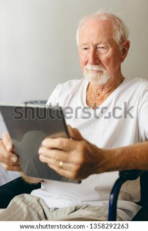 Ver senior caucasiano masculino paciente Foto stock © wavebreak_media