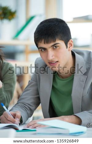 middelbare · school · studenten · knap · mannelijke · student - stockfoto © HASLOO