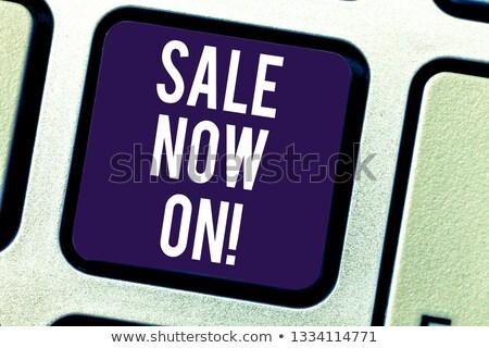 verkoop · computer · sleutel · tonen · promotie · korting - stockfoto © stuartmiles