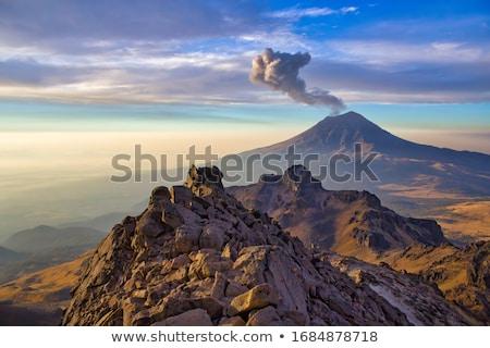 Mexicaanse vulkaan sneeuw berg rook Blauw Stockfoto © Camel2000
