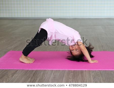 beautiful · girl · ginástica · branco · mulher · corpo · exercer - foto stock © o_lypa