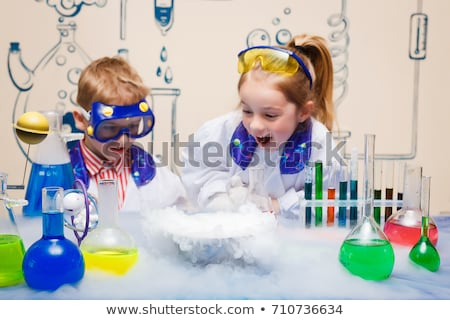 bilim · adamları · deney · laboratuvar · kadın · çalışmak · öğrenci - stok fotoğraf © szefei