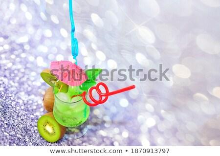 Sağlıklı yeşil kokteyl dekore edilmiş dilim kivi Stok fotoğraf © Yatsenko
