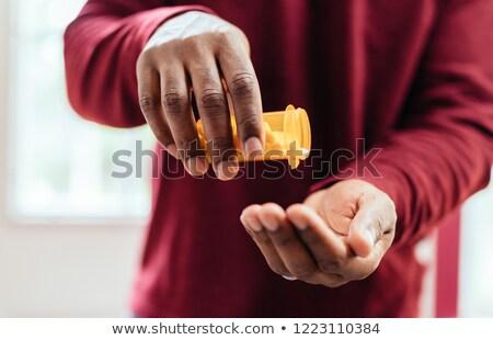 Doktor reçete sağlık risk tıbbi hapları Stok fotoğraf © Lightsource