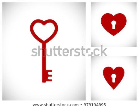 Foto stock: Coração · chave · vermelho · buraco · de · fechadura · dourado · dentro