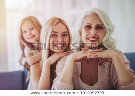 Grootmoeder dochter kleindochter witte portret gelukkig Stockfoto © dashapetrenko