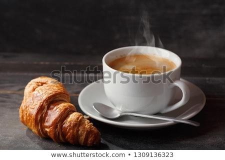 Koffie croissant houten tafel frans ontbijt top Stockfoto © karandaev