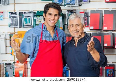 Retrato adulto senior cliente ferragens armazenar Foto stock © Lopolo