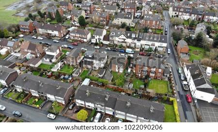 Fotografia rua telhados estradas carros Foto stock © artjazz