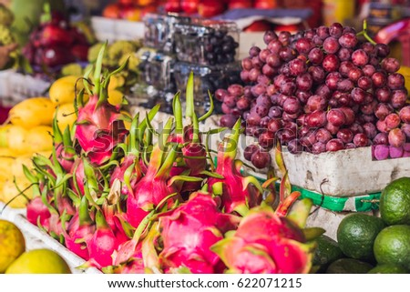 Választék gyümölcsök piac ázsiai konyha hal levél Stock fotó © galitskaya