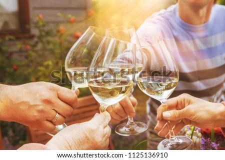 рук группа людей белое вино очки Сток-фото © dashapetrenko