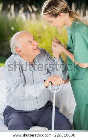 Zijaanzicht senior kaukasisch mannelijke patiënt permanente Stockfoto © wavebreak_media