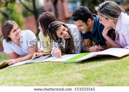 Gioioso piano apprendimento soggiorno sorriso Foto d'archivio © wavebreak_media