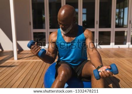 Front widoku aktywny starszy człowiek Zdjęcia stock © wavebreak_media