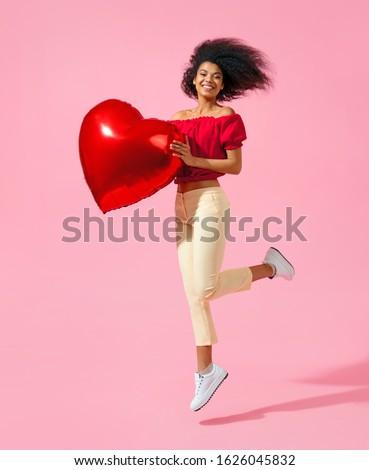 Afro amerikaanse tiener meisje naar Stockfoto © deandrobot
