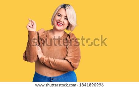 Gülen mutlu artı boyutu model ayakta Stok fotoğraf © Traimak
