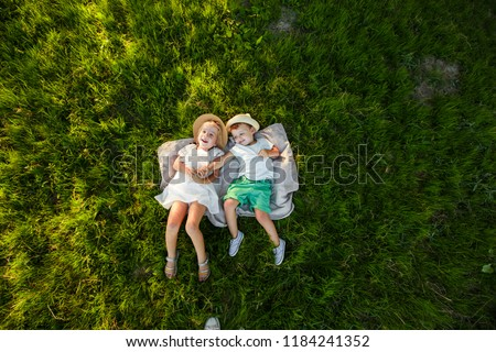 Felső kilátás kicsi szőke gyerek fiú Stock fotó © galitskaya