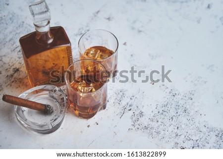 Butelki okulary brandy nice duży kubańczyk Zdjęcia stock © dash