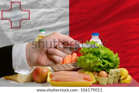 Buying Groceries With Credit Card In Malta Foto stock © vepar5