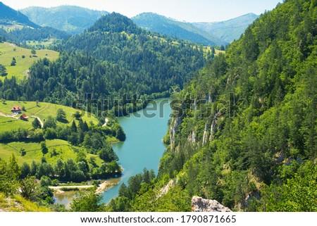 湖 川 表示 山 セルビア 水 ストックフォト © boggy
