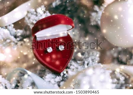 Coração jóias caixa de presente árvore de natal amor Foto stock © Anneleven